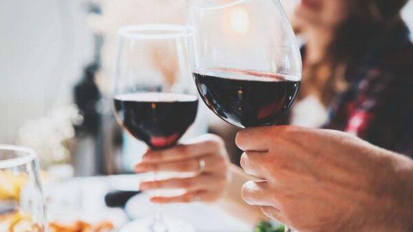 Uống rượu vang đỏ có thể giúp đường ruột khỏe mạnh