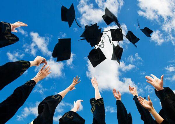 """5 bí quyết """"giắt túi"""" để chinh phục bất kỳ học bổng nào"""