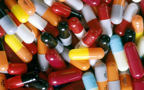 Những loại thuốc tuyệt đối không được uống cùng lúc vì cực kỳ nguy hiểm