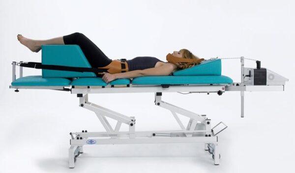 Phục hồi chức năng bằng máy kéo giãn cột sống