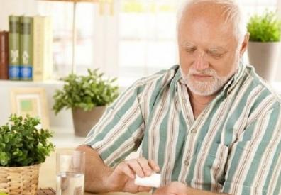 Sử dụng kháng sinh cho người lớn tuổi tại nhà
