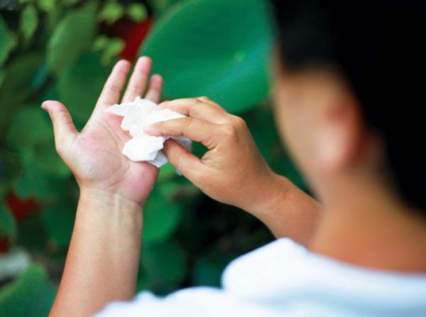 Nội soi cắt hạch thần kinh giao cảm điều trị đổ mồ hôi tay/chân quá mức