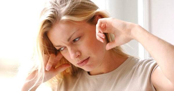 Ù tai kéo dài, triệu chứng bệnh lý cần gặp ngay bác sĩ